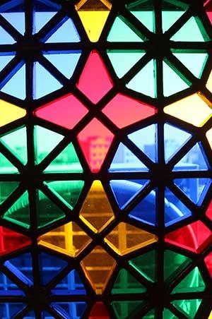 شیشه سنتی رنگی