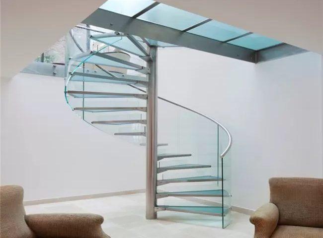 نرده شیشه ای راه پله گرد