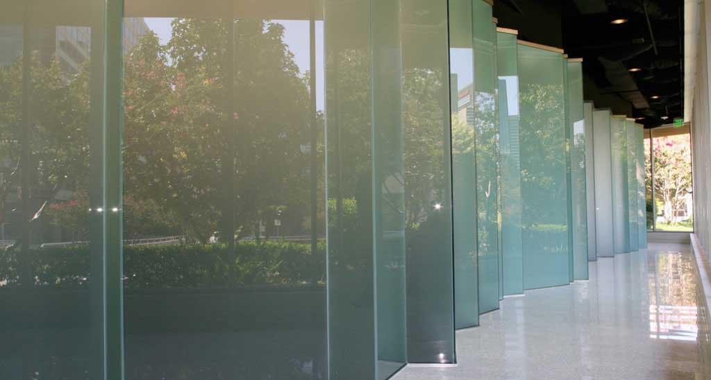 نصب دیوار شیشه ای