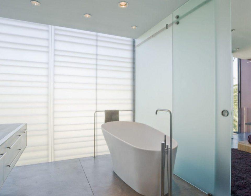 درب شیشه ای حمام و سرویس بهداشتی